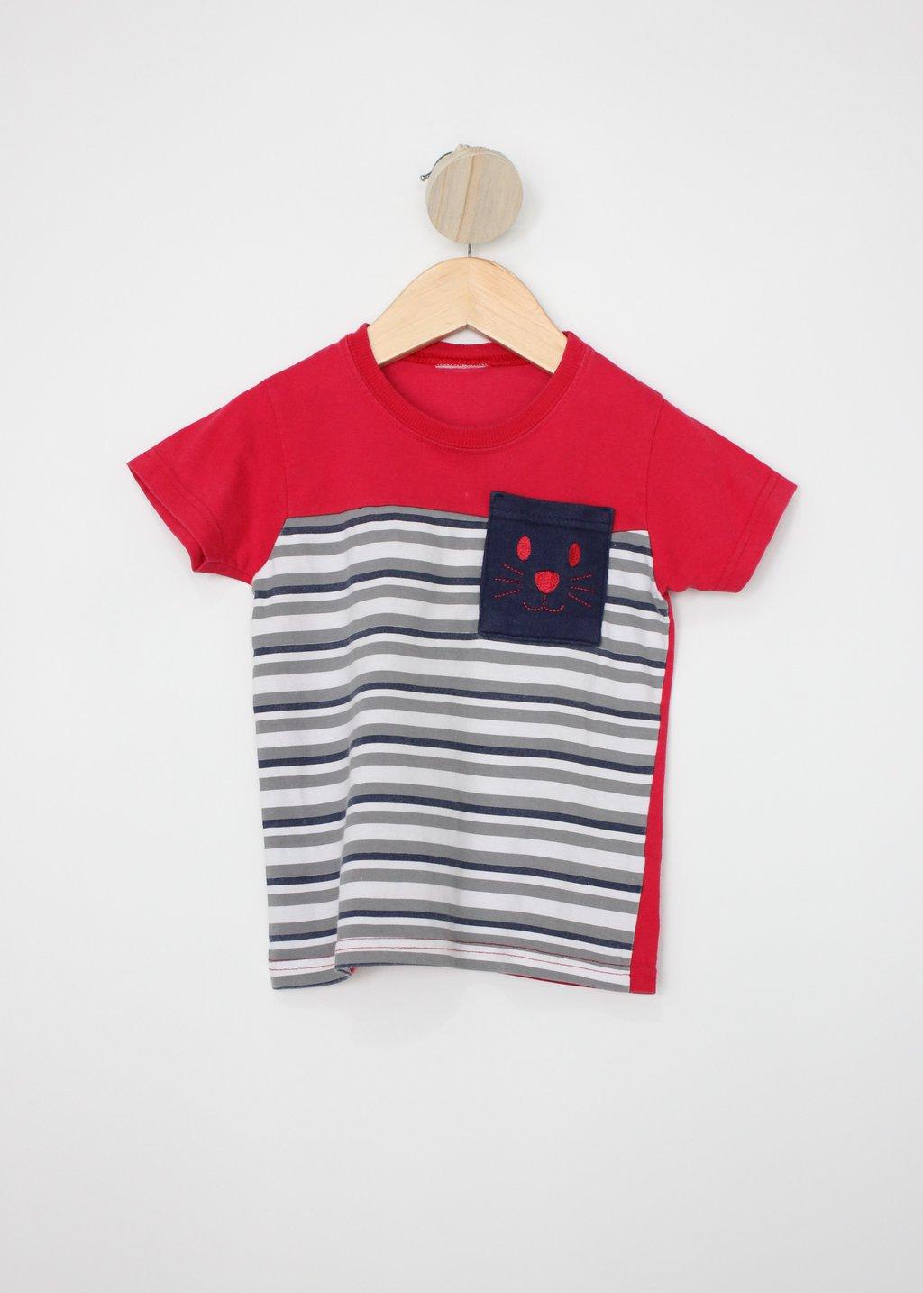 Camiseta Infantil Vermelha Com Estampa