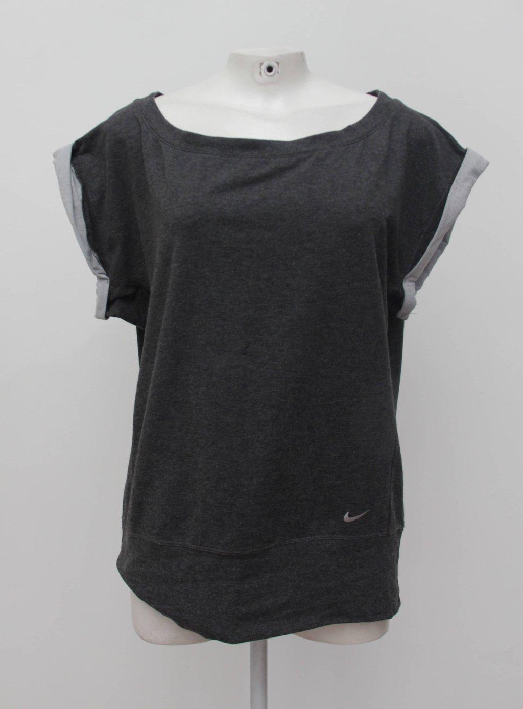Camiseta cinza nike