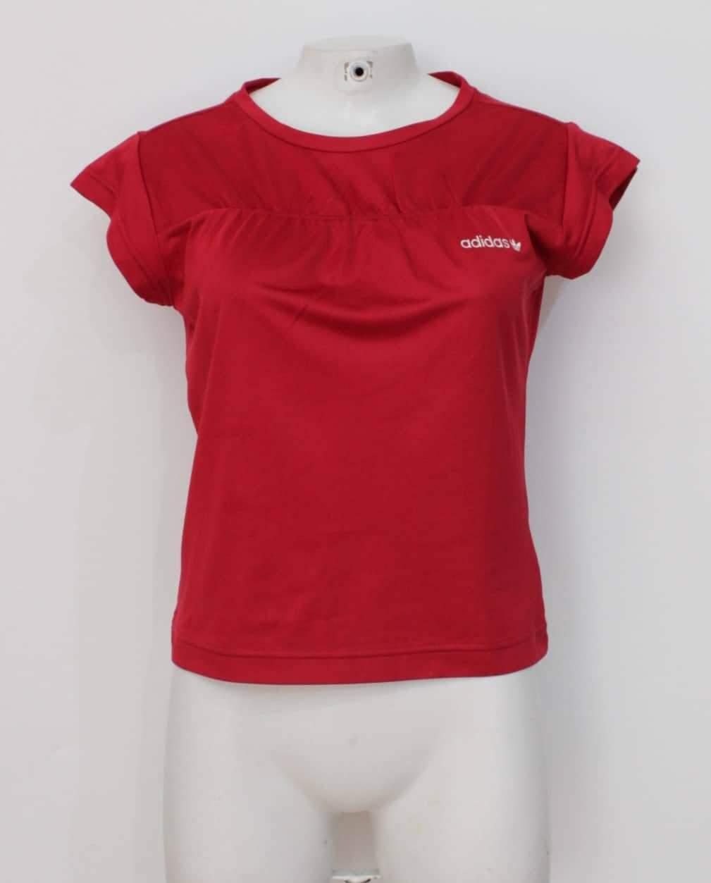 Blusa vermelha adidas