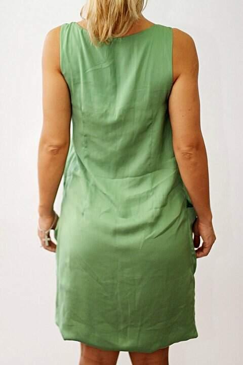 Vestido Verde de Cetim_foto de frente