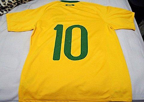 Camisa do Brasil Authentic 2010_foto de frente