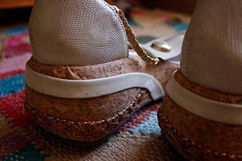 Sandália Salto Baixo Bege _foto de detalhe