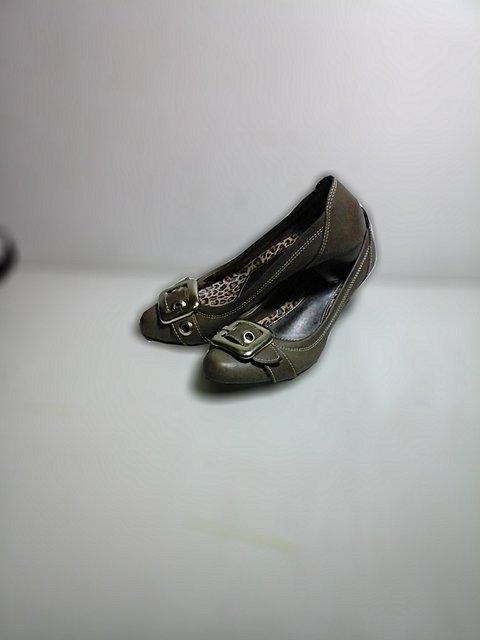 Sapato de Saltinho Cinza_