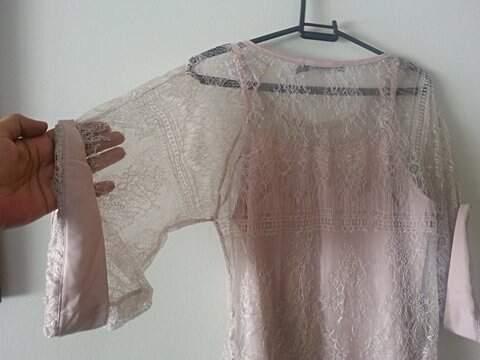 Vestido de Renda Rosa Claro_foto de detalhe