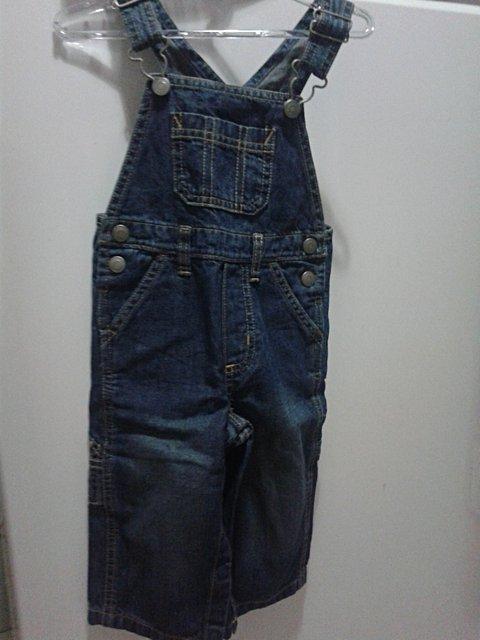 Jardineira Jeans Infantil Caster_foto de costas