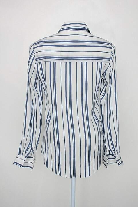 Camisa daslu feminina listrada_foto de costas