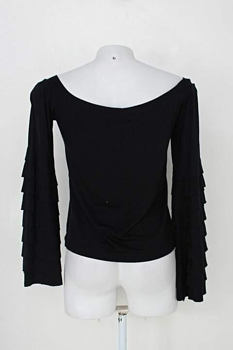 Blusa preta manga com babados Heloisa Machado_foto de costas