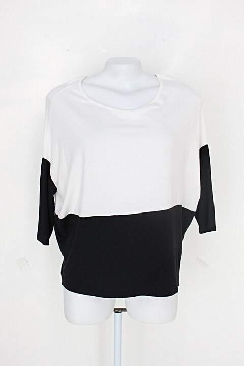 Blusa c&a feminina branca e preta_foto principal