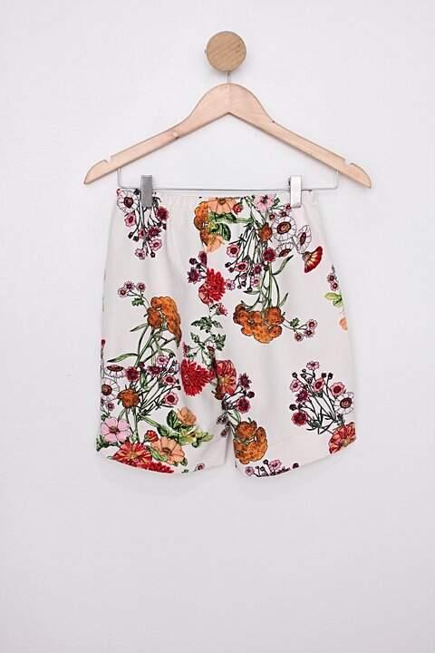 Shorts feminina off-white_foto de costas