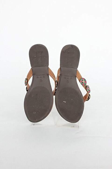 Rasteirinha feminina marrom sonho dos pés_foto de detalhe