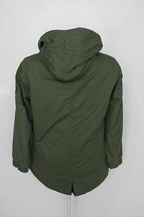 Casaco zara feminino verde militar com Patch_foto de costas