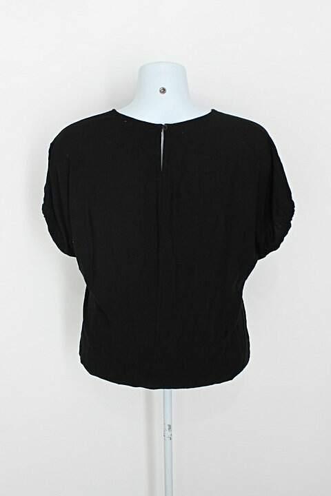 Blusa marisa feminina preta_foto de costas
