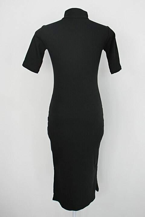 Vestido feminina preto_foto de detalhe