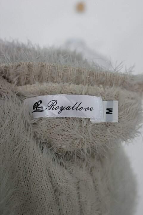 Suéter de tricot pelúcia royallove feminino bege caqui_foto de detalhe