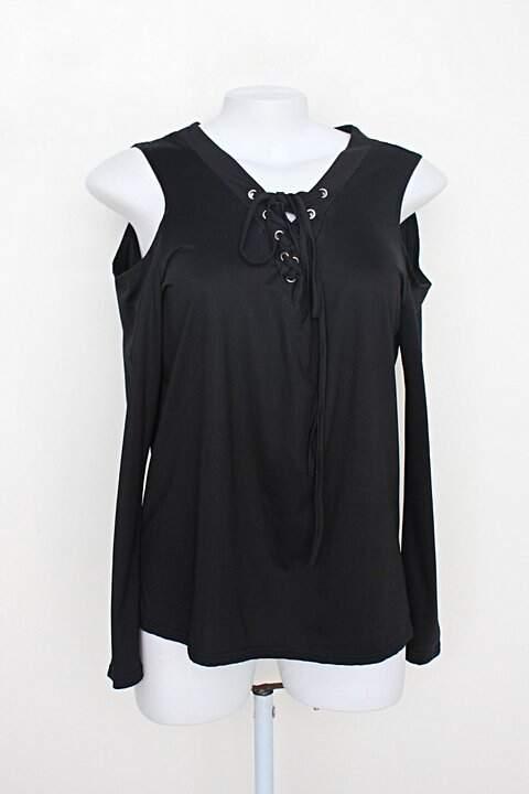 Blusa yoins feminina preta com ombro vazado_foto principal