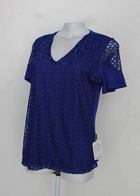 Blusa de renda cara metade feminina azul com Bordado_foto de detalhe