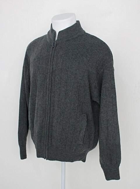 Malha Tricot masculina cinza_foto de costas