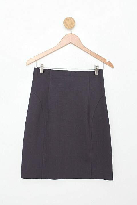 Saia fit feminina cinza com Recortes_foto de costas