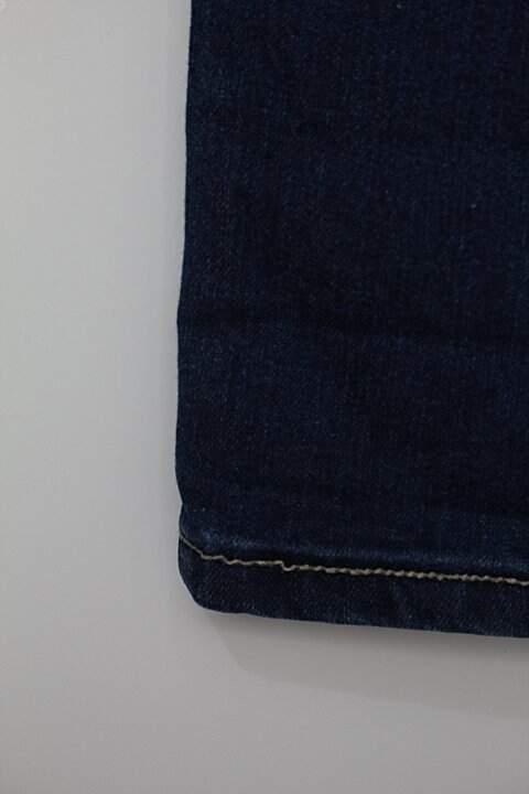 Calça Jeans feminina azul_foto de detalhe