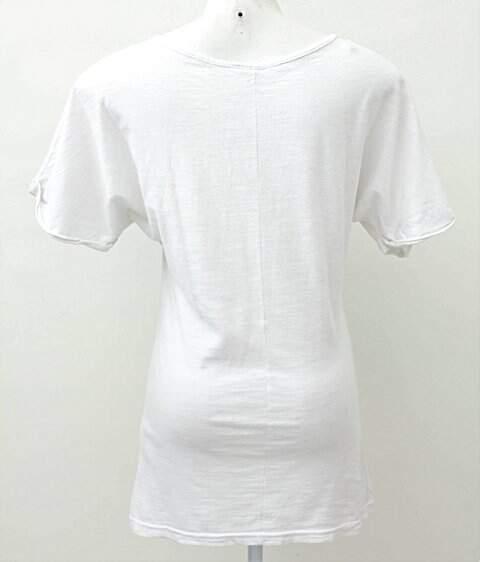 Camiseta Branca com Mulher_foto de frente
