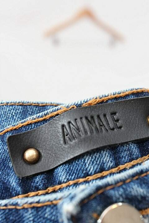 Shorts Jeans Destroyed Animale_foto de costas