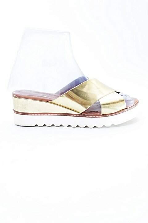 c681cb7fd Sandália Tiras Douradas Prego - compre por menos | Repassa