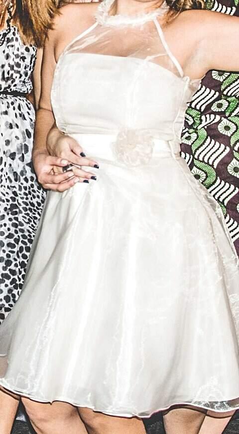 Vestido de noiva curto simples_foto principal
