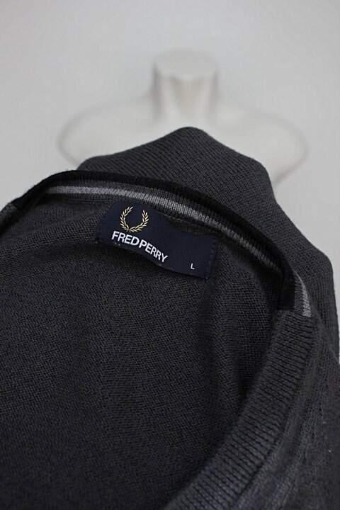 Suéter cinza fredperry_foto de detalhe