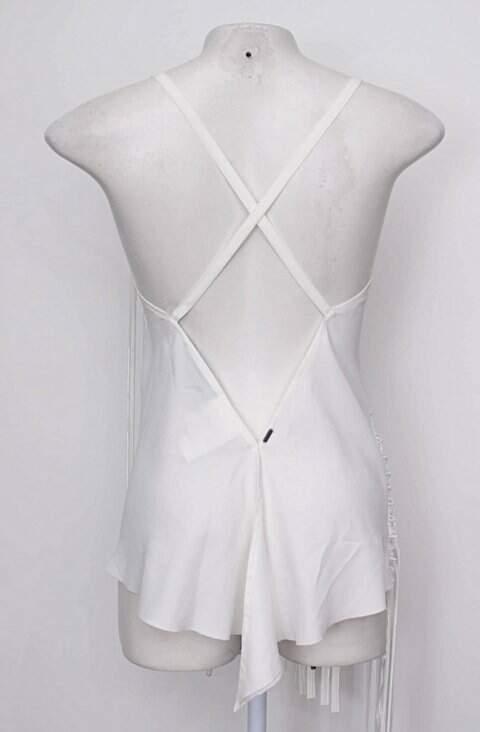 Blusa branca com Franja john john _foto de costas