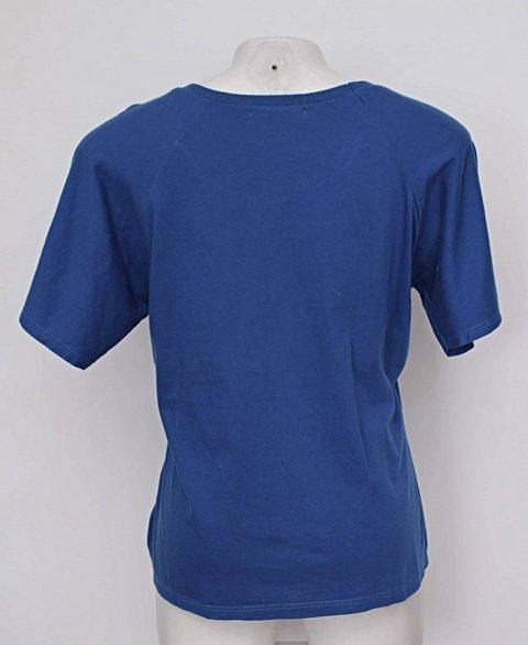 Camiseta estampada azul marisa_foto de costas