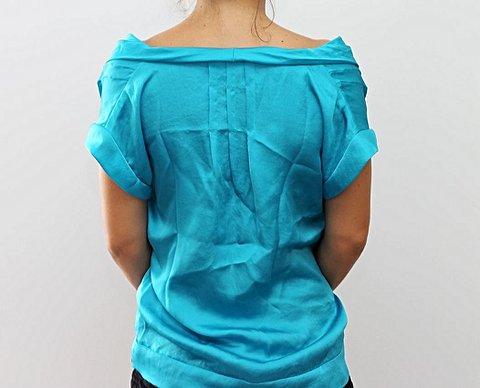 Blusinha Seda  Azul Turquesa Calvin Klein_foto de detalhe