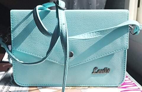 Bolsa Azul Levis _foto de costas