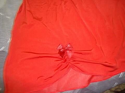 Camisola Sem Bojo Vermelha _foto de costas