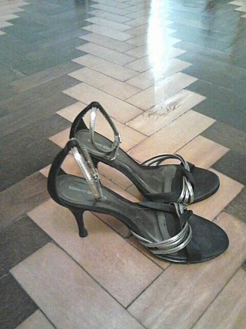 Sandália de Festa Preta e Prata_foto de frente
